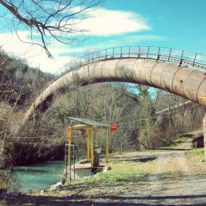 Entreprise de peinture Anticorrosion Conduite forcée en surplomb d'une rivière - BEYREDE