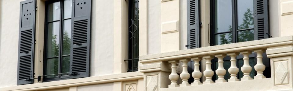 Détails façade de la Maison Berthod - VINAY